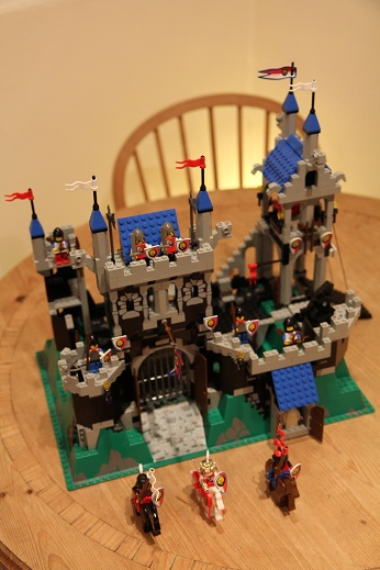 Royal-Knights-Royal-Castle-small