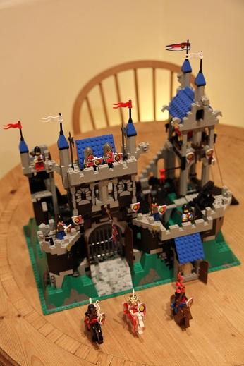Royal-Knights-Royal-Castle-small