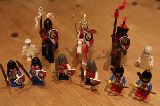 Royal-Knights-Royal-Castle-Inhabitants-small